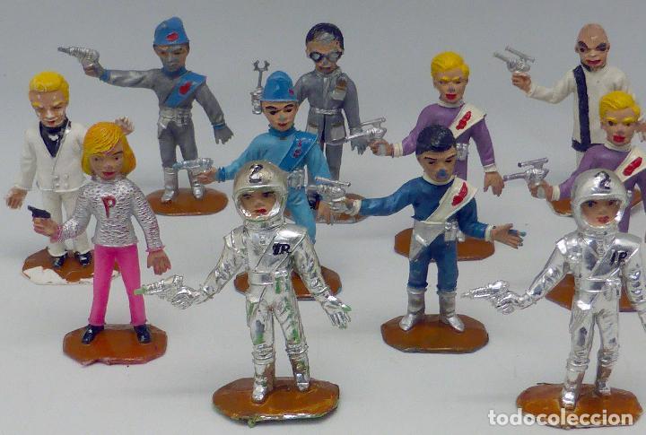 Figuras de Goma y PVC: 14 figuras Thunderbirds Comansi serie TV Caja El Alunizaje plástico años 60 - Foto 2 - 105903851