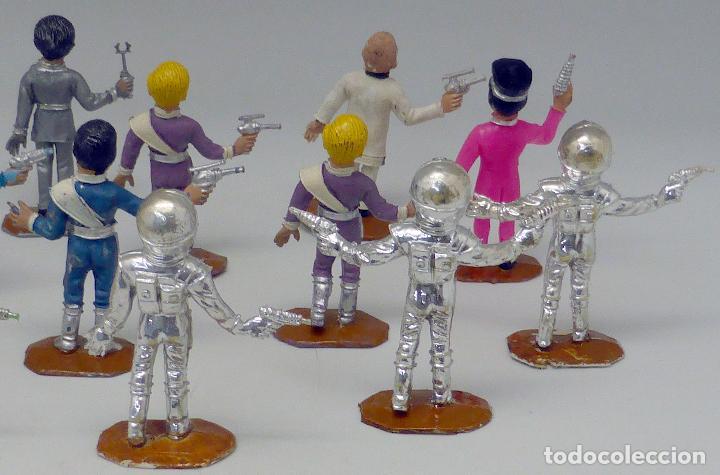 Figuras de Goma y PVC: 14 figuras Thunderbirds Comansi serie TV Caja El Alunizaje plástico años 60 - Foto 6 - 105903851