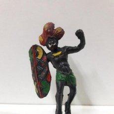 Figuras de Goma y PVC: GUERRERO AFRICANO NEGRO . REALIZADO POR ARCLA . AÑOS 50 EN GOMA. Lote 106009951