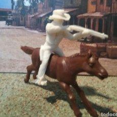 Figuras de Goma y PVC: ANTIGUA FIGURA DEL OESTE EN PLASTICO. MODELOS REAMSA PARA EL CANAL PIPERO. SERIE INDIOS Y COWBOYS.. Lote 106434487