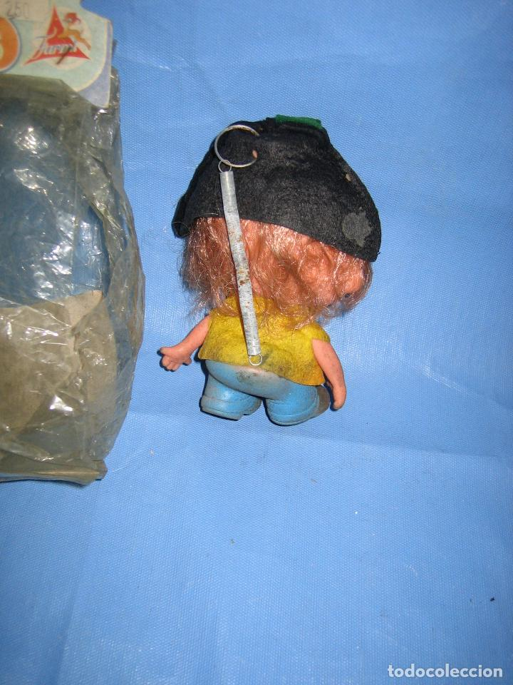 Figuras de Goma y PVC: Antiguo muñeco de juguetes Farmi años 70 o 80 - Foto 4 - 106584515