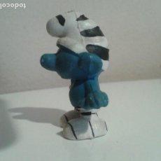 Figuras de Goma y PVC: RARO PITUFO NIÑO CON RALLAS - ZEBRA . Lote 107280007