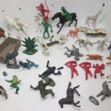Figuras de Goma y PVC: LOTE FIGURAS PLÁSTICO INDIOS, VAQUEROS, CABALLOS, CABALLEROS, AFRICANOS. Lote 107793551