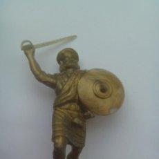 Figuras de Goma y PVC: FIGURA DE GUERRERO ESCOCES , HIGHLANDER. Lote 107893903