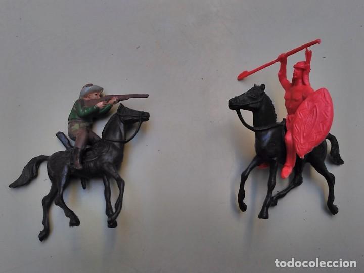 LOTE COMANSI - 2 CABALLOS VAQUERO E INDIO (Juguetes - Figuras de Goma y Pvc - Comansi y Novolinea)