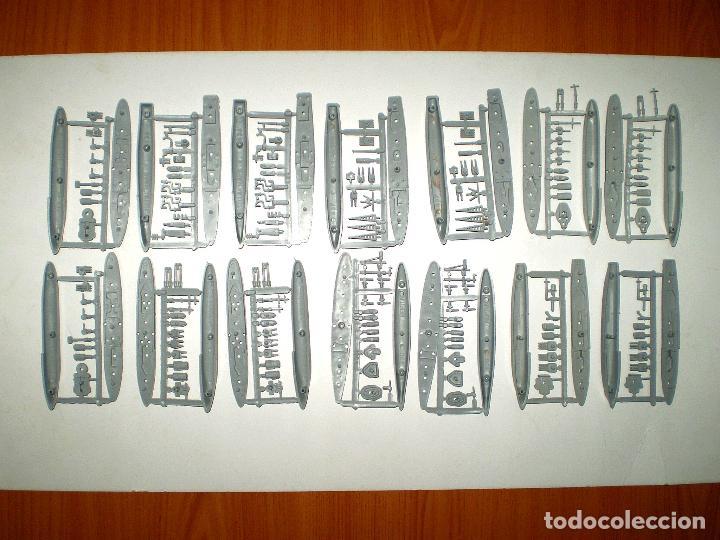 FLOTILLA MONTAPLEX - 14 BARCOS EN COLOR ARMADA (Juguetes - Figuras de Goma y Pvc - Montaplex)