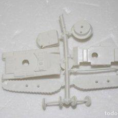 Figuras de Goma y PVC: MONTAPLEX - COLADA TANQUE SHERMAN - PERTENECE AL SOBRE Nº 629 - COLOR FOTO - AÑOS 60. Lote 220784953