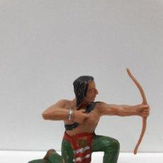 Figuras de Goma y PVC: GUERRERO INDIO - SERIE INDIOS SIOUX . REALIZADO POR REAMSA . AÑOS 60. Lote 109388523
