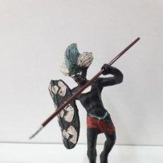 Figuras de Goma y PVC: GUERRERO AFRICANO NEGRO . REALIZADO POR ARCLA . AÑOS 50 EN GOMA. Lote 109815919