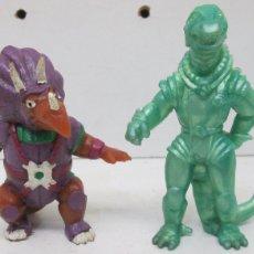 Figuras de Goma y PVC: DINOSAUCERS TRICERO + DINOPLATIVOLOS FIGURA PVC 1986 YOLANDA. Lote 122298892