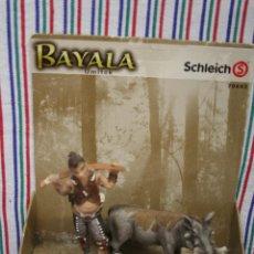 Figuras de Borracha e PVC: UMITOK CON JABALI DE SCHLEICH. Lote 110473735