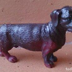 Figuras de Goma y PVC: FIGURA DE GOMA PERRO SALCHICHA TECKEL . Lote 110728323