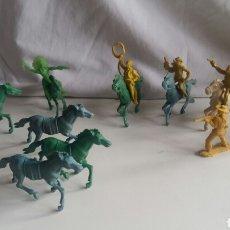 Figuras de Goma y PVC: 5 VAQUEROS, 2 INDIOS. PLÁSTICO, SIN PINTAR. Lote 62989199