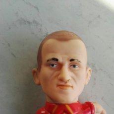 Figuras de Goma y PVC: ANTIGUO MUÑECO DE GOMA SELECCIÓN ESPAÑOLA 18CM. Lote 110967351