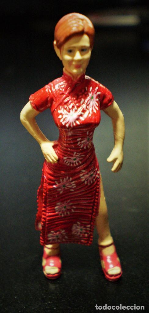 FIGURA MARY JANE WATSON MARVEL PELÍCULA SPIDER-MAN SPIDERMAN VESTIDO ROJO 4,3CM KINDER (Juguetes - Figuras de Goma y Pvc - Otras)