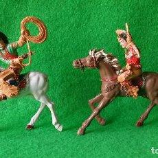 Figuras de Goma y PVC: VAQUEROS PISTOLEROS A CABALLO DE LAFREDO. Lote 111193327