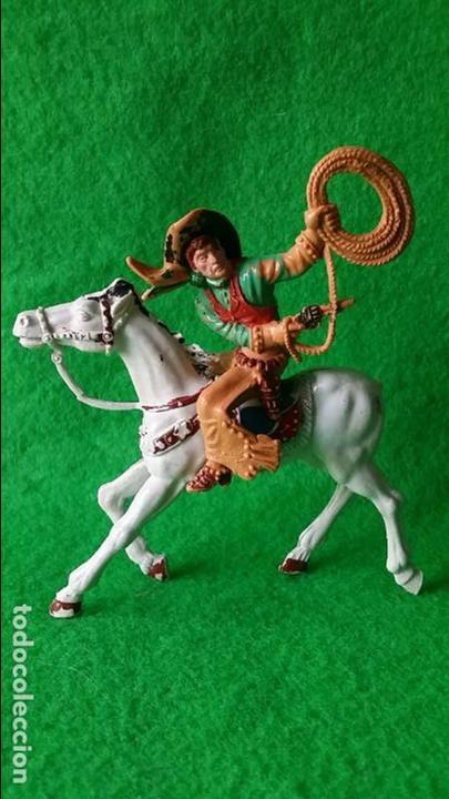 Figuras de Goma y PVC: VAQUEROS PISTOLEROS A CABALLO DE LAFREDO - Foto 2 - 111193327