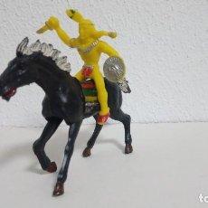 Figuras de Goma y PVC: LAFREDO OESTE SERIE GRANDE 11 CM. INDIO GUERRERO A CABALLO ORIGINAL AÑOS 60.PTOY. Lote 111382431