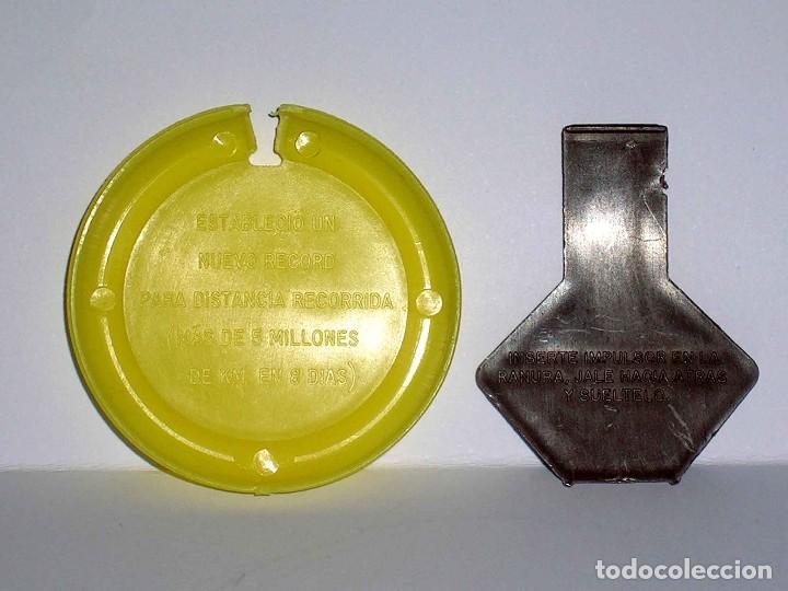 Figuras de Goma y PVC: Geminis 5 *amarillo* Disco Platillo Space, incluye impulsor, Dunkin o similar, original años 70. - Foto 3 - 111572995
