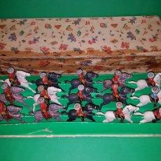 Figuras de Goma y PVC: CAJA DE REAMSA ( 15 FIGURAS ENTERAS) SERIE POLICÍA MONTADA CANADÁ, AÑO 1952. Lote 105941159