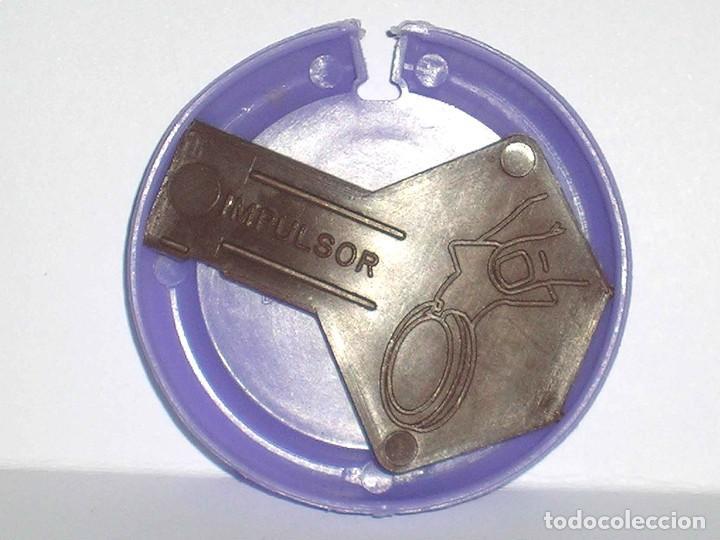 Figuras de Goma y PVC: Venus *lila claro* Disco Platillo Space, incluye impulsor, Dunkin o similar, original años 70 - Foto 4 - 111585695