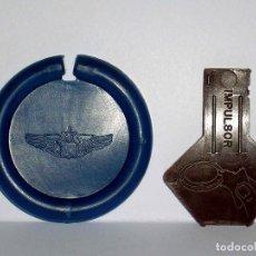 Figuras de Goma y PVC: EMBLEMA ASTRONAUTA AZUL DISCOS VOLADORES PLATILLO SPACE, IMPULSOR, DUNKIN MATUTANO ORIGINAL AÑOS 70. Lote 111585811