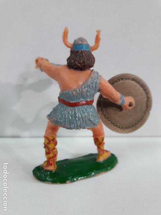 Figuras de Goma y PVC: VIKINGO CON SUS ACCESORIOS . SERIE EL CAPITAN TRUENO . REALIZADO POR ESTEREOPLAST . AÑOS 60 - Foto 2 - 111627035