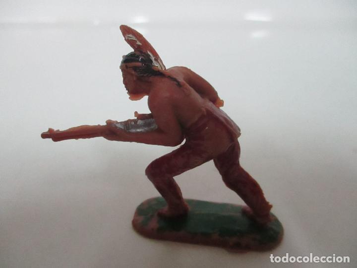 FIGURA INDIO GUERRERO - CON RIFLE - AÑOS 60-70 (Juguetes - Figuras de Goma y Pvc - Otras)