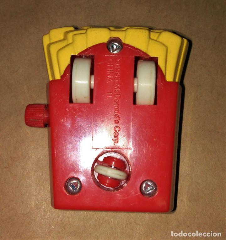 Figuras de Goma y PVC: Figura Birdie the Early Bird patatas fritas cuerda coche Happy Meal Mc Donalds 1995 - Foto 3 - 112015711