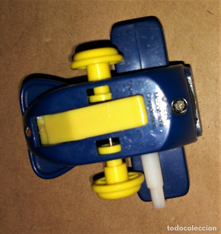 Figuras de Goma y PVC: Figura Grimace avión piloto cuerda Happy Meal Mc Donalds 1994 - Foto 3 - 112016355