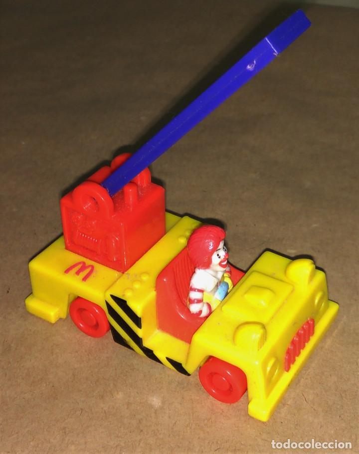 Figuras de Goma y PVC: Figura Ronald McDonald bombero camión escalera Happy Meal Mc Donalds 1995 payaso - Foto 3 - 112016615