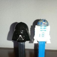 Dispensador Pez: LOTE DOS DISPENSADORES CARAMELOS PEZ STAR WARS DARTH VADER Y R2D2. Lote 112036499