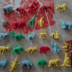 Figuras de Goma y PVC: COLECCIÓN DUNKIN FIERAS DEL ZOO, 27 DE LAS 30. BUEN ESTADO. Lote 112134664