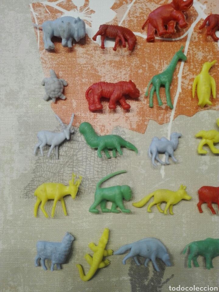 Figuras de Goma y PVC: Colección dunkin Fieras del zoo, 27 de las 30. Buen estado - Foto 2 - 112134664