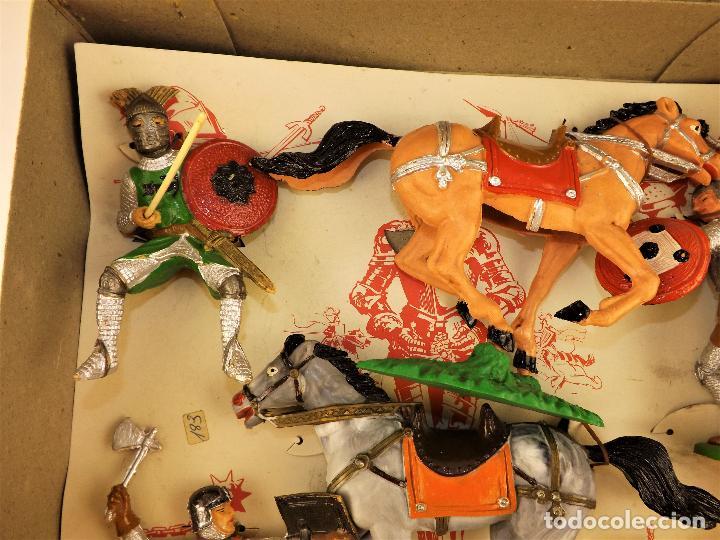 Figuras de Goma y PVC: Comansi Torneo caja completa - Foto 3 - 128840415