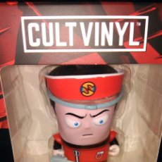 Figurines en Caoutchouc et PVC: CAPTAIN SCARLET AND THE MYSTERONS LIMITED EDITION CULT VINYL FIGURA POP CAPITÁN ESCARLATA FIGURE. Lote 112278403
