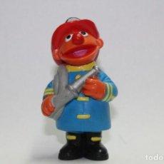Figuras de Goma y PVC: BARRIO SESAMO EPI BOMBERO DE EPI Y BLAS MARCA APPLAUSE JIM HENSON. Lote 112372171