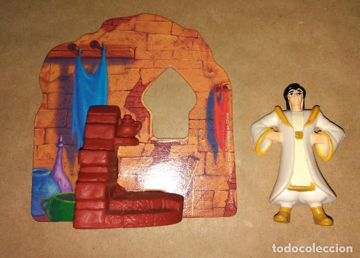 Figuras de Goma y PVC: Figura Aladdin y el rey de los ladrones Aladín con escenario Happy Meal Mc Donalds 1992 1996 - Foto 4 - 112839675