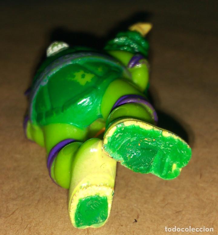 Figuras de Goma y PVC: Figura Donatello Tortugas Ninja TMNT 90 disfraz navideño papá noel santa claus árbol navidad - Foto 3 - 112839931