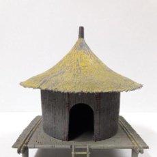 Figuras de Goma y PVC: CHOZA KAKUANA CON BASE . REALIZADA POR PECH . AÑOS 50 / 60 . EN PLASTICO. Lote 112896707