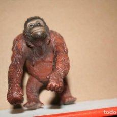Figuras de Goma y PVC: ANTIGUA FIGURA ORAGUTAN TIPO SCHLEICH . Lote 113206819