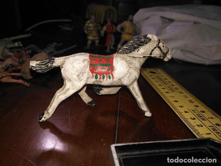 Figuras de Goma y PVC: muñeco figura goma indio oeste baquero caballo capitan trueno / jabato comansi / o similar ver foto - Foto 4 - 113239467