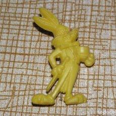 Figuras de Goma y PVC: BUGS BUNNY AÑOS 60 EL CONEJO DE LA SUERTE JUGUETE DE QUIOSCO . Lote 113523327