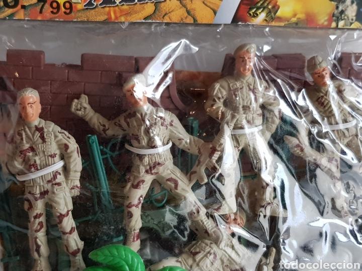 Figuras de Goma y PVC: FORCES ARMY NÚMERO 799 SOLDADOS DE PLASTICO CON CASTILLO Y LANCHA MOTORA DE 8CMS - Foto 3 - 113597658