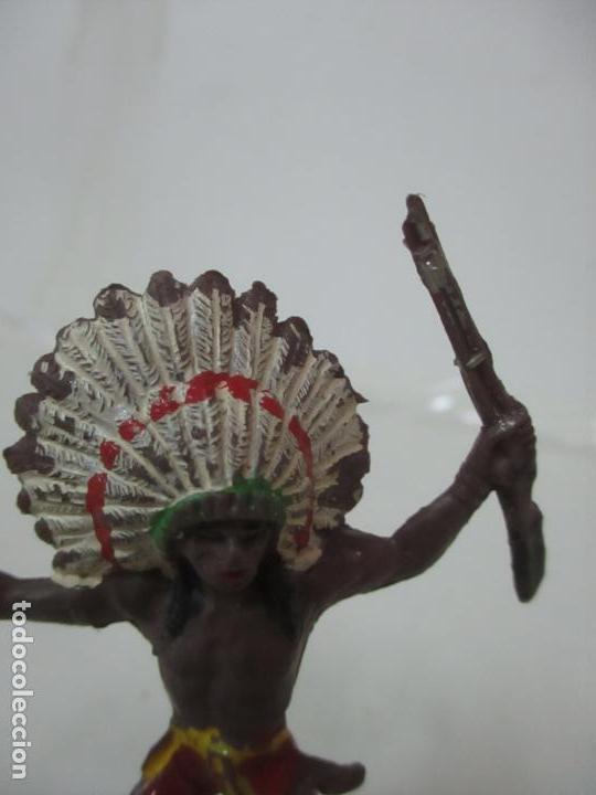 Figuras de Goma y PVC: Figura Guerrero Indio, con Rifle - Marca Jecsan - Años 60-70 - Foto 4 - 113606843