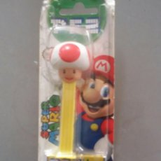 Dispensador Pez: DISPENSADOR DE CARAMELOS PEZ . TOAD DE SUPER MARIO BROS. NUEVO EN BLISTER. Lote 114240475