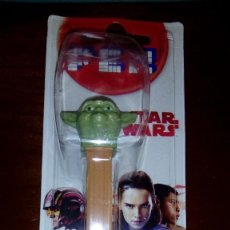 Dispensador Pez: DISPENSADOR CARAMELOS PEZ YODA JEDI STAR WARS. Lote 114403571