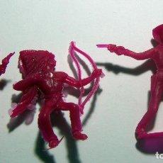 Figuras de Goma y PVC: 1 INDIO Y 2 VAQUEROS COMANSI. Lote 114815587