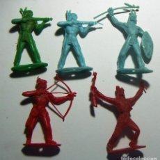 Figuras de Goma y PVC: 5 INDIOS COMANSI. Lote 114815915