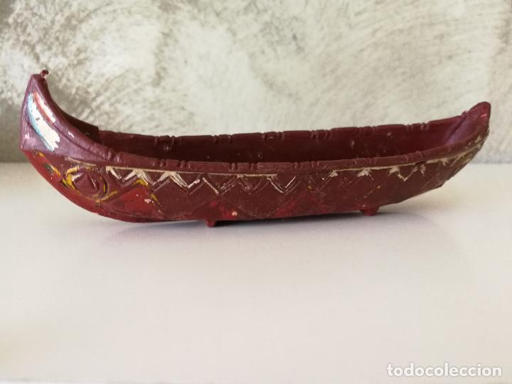 Figuras de Goma y PVC: CANOA INDIA CON REMEROS INDIOS EN GOMA PECH AÑOS 50 - Foto 4 - 114844355